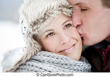couple, dans, hiver