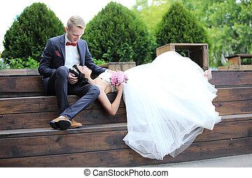 couple, day., mariage, séance, banc, aimer