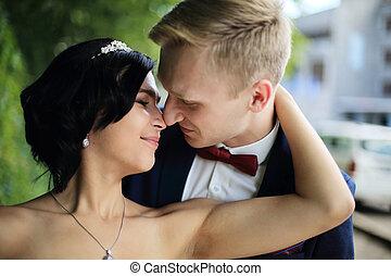 couple, day., mariage, tendre, portrait, closeup.