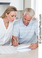 couple, dehors, finances, leur, fonctionnement, sérieux