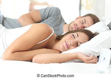 couple, dormir, lit, confortable