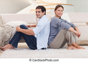 couple, dos, séance, jeune