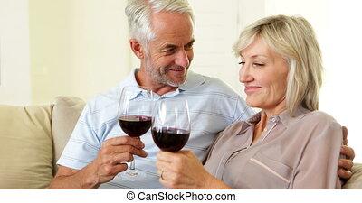 couple, ensemble, délassant, divan