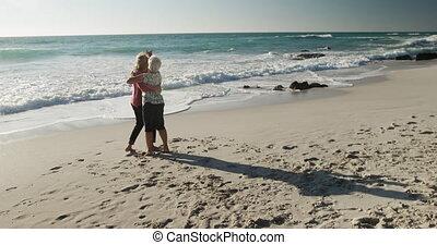 couple, ensemble, personne agee, plage, danse
