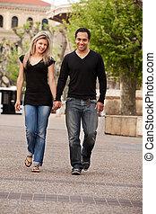 couple, européen, promenade