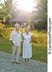 couple, exotique, personnes agées, jardin