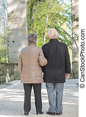couple, extérieur, personnes agées
