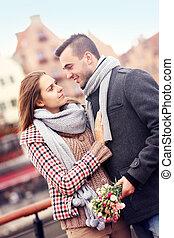 couple, fleurs, romantique, promenade