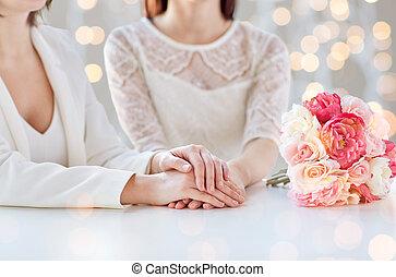 couple, haut fin, fleurs, lesbienne, heureux