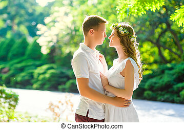 couple heureux, apprécier, autre, chaque
