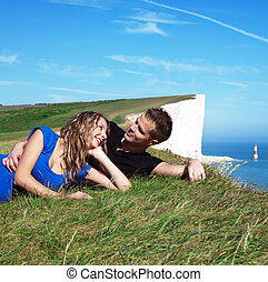couple heureux, bord, falaise