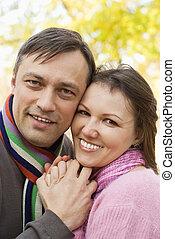 couple, heureux, gentil