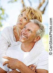 couple, heureux, mûrir, dehors