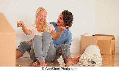 couple heureux, plancher, séance
