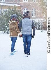 couple, hiver, vue postérieure