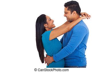 couple, indien, étreindre