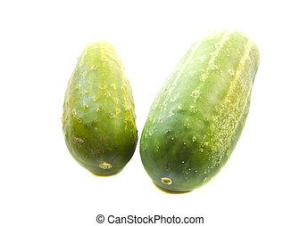 couple, isolé, arrière-plan vert, concombre, blanc