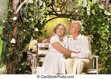 couple, jardin, personne agee