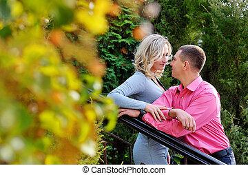 couple, jeune, automne