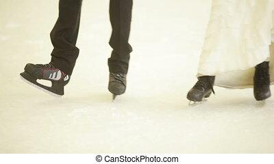 couple, jeune, patinoire