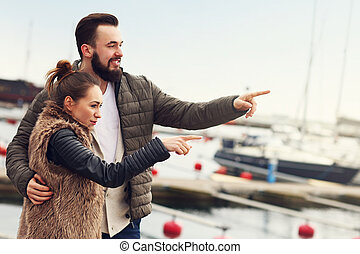 couple, jeune, pointage