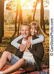 couple, jeune, séance, parc, couverture, aimer