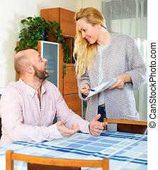couple, lecture, assurance, contrat