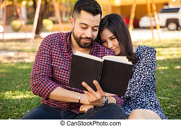 couple, lecture, dehors