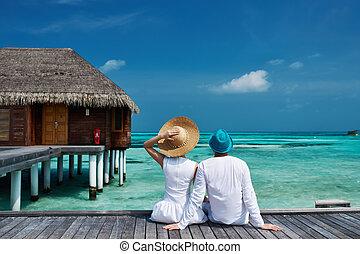 couple, maldives, plage, jetée
