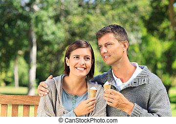 couple, manger, jeune, glace