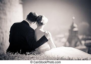 couple, mariés, amour, jeune, contempler