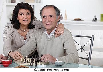 couple, mariés, jouer ensemble, échecs