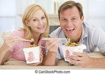 couple, mealtime, ensemble, manger, plat à emporter, repas