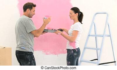 couple, mur, rose, peinture, heureux