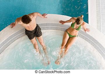 couple, natation, jeune, -, vue, relâcher, piscine, sommet