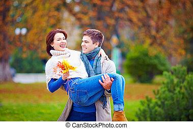 couple, parc, automne, amusement, agréable, avoir