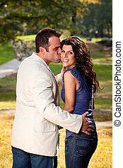 couple, parc, baiser