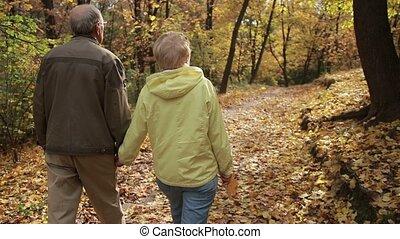 couple, parc, freetime, aîné actif, apprécier