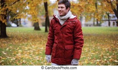couple, parc, jeune, automne, réunion, heureux