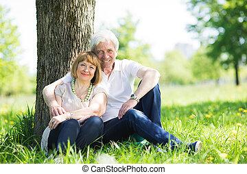 couple, parc, mûrir