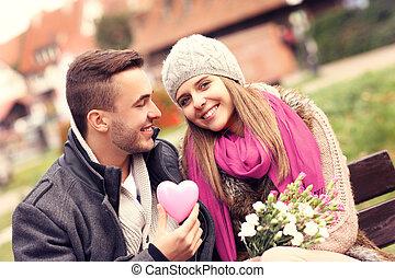 couple, parc, romantique, jour, valentine