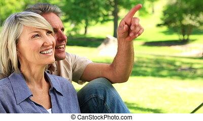 couple, parc, séance, heureux