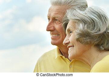 couple, personnes agées, délassant