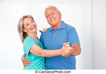 couple, personnes agées, danse