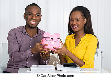couple, piggybank, tenue, heureux