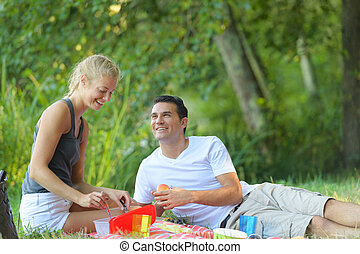couple, pique-nique, avoir