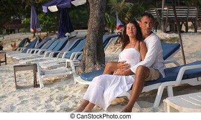 couple, plage, aimer