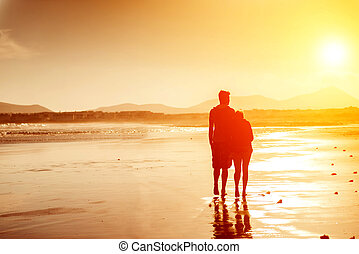 couple, plage, silhouettes