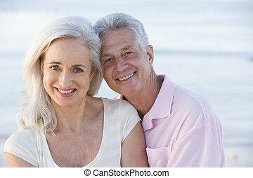 couple, plage, sourire