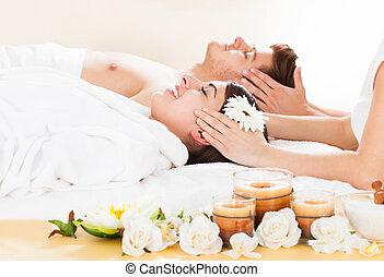 couple, réception, massage tête